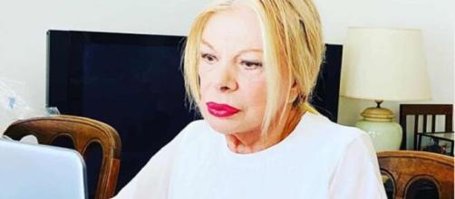 Sandra Milo a 87 anni aveva iniziato lo sciopero della fame a difesa degli artisti messi in ginocchio dal Coronavirus: l'ha chiamata il premier.