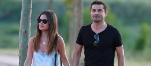 Sin mascarillas: así salieron a dar un paseo Alfonso Merlos y Alexia Rivas