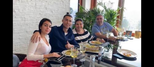 La mamma di Cristiano Ronaldo con la compagna Giorgina