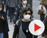 Algunas personas sienten que les falta el aire usando las mascarillas todo el tiempo