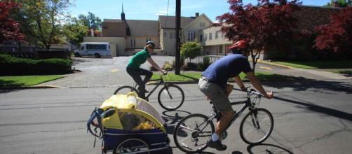 Debes seguir las reglas básicas para practicar el ciclismo sin riesgos