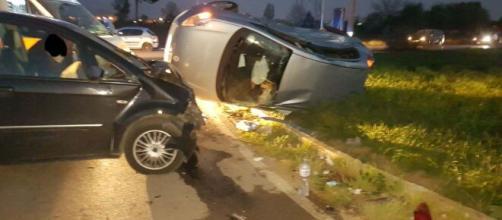Napoli, doppio dramma a Varcaturo: bimbo perde la vita in piscina, il papà ferito nell'auto.