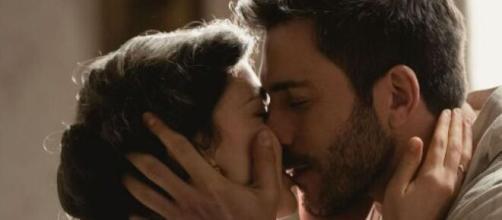Spoiler Una Vita: Telmo e Lucia si baciano appassionatamente.