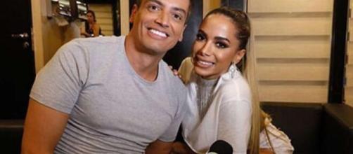 Leo Dias faz acusações sobre Anitta, dizendo que cantora usou seu corpo. (Arquivo Blasting News)
