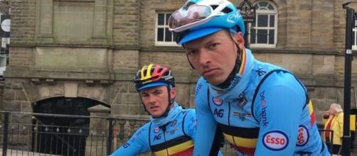 Oliver Naesen con la maglia della nazionale belga.