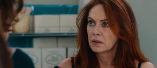 Vivi e lascia vivere, trama ultima puntata: Laura Ruggero viene ricattata e teme per i suoi figli.
