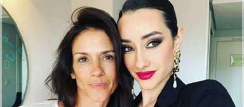 Adara ha desvelado la difícil infancia que vivió con su madre, Elena Rodríguez.