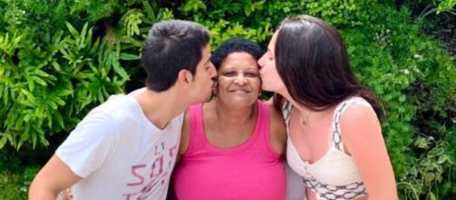 Claudia Raia lamenta o falecimento de babá de seus filhos por Covid-19. (Reprodução/Instagram/@claudiaraia)