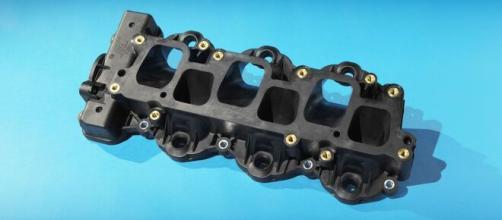 Grupo belga Solvay planeja a construção do Polimotor 2, um motor automotivo 100% de plástico. (Reprodução)