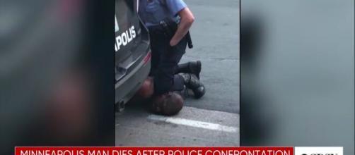 La mort de George Floyd a conduit au limogeage des 4 policiers responsables de son arrestation (source : capture Youtube @CBSN)