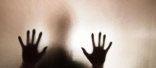 Mulheres são abusadas em farmácia em Curitiba. (Arquivo Blasting News)