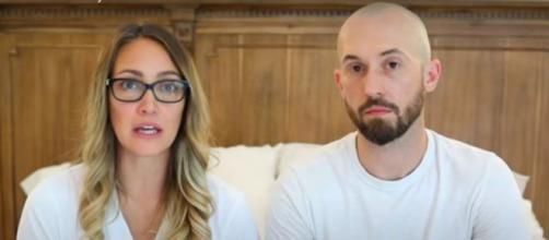A youtuber Myka Stauffer e o marido pediram apoio neste momento. (Reprodução/Instagram/@mykastauffer)