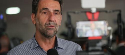 Momento foi de descontração na live de deputado e Rodrigo Maia. (Arquivo Blasting News)