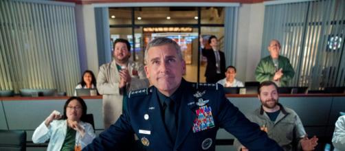 Steve Carrell é o protagonista da nova série cômica da Netflix, 'Space Force'. (Arquivo Blasting News)