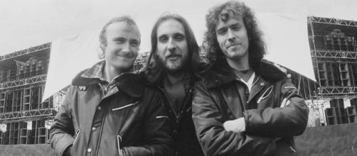 Liderado por Phil Collins, o Genesis fez show épico no Earls Court Exhibition Centre, em Londres. (Arquivo Blasting News)