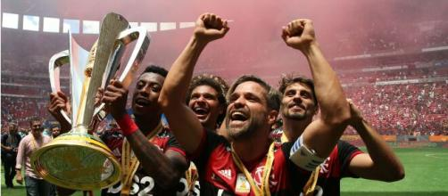 Pensando em aliviar folha, Flamengo deve liberar atletas. (Arquivo Blasting News)