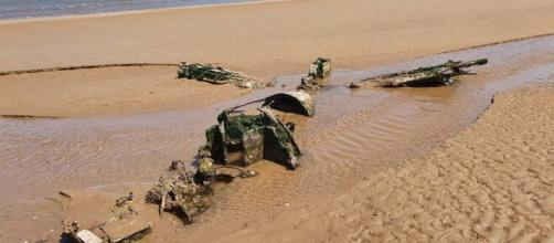 RAF fighter plane emerges from sand at Cleethorpes beach | (Image via ABCNews/Youtube)
