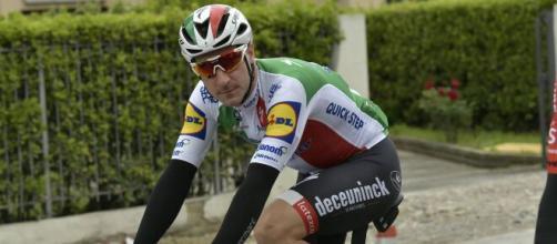 Elia Viviani: 'Per noi ciclisti situazione sempre difficile'.