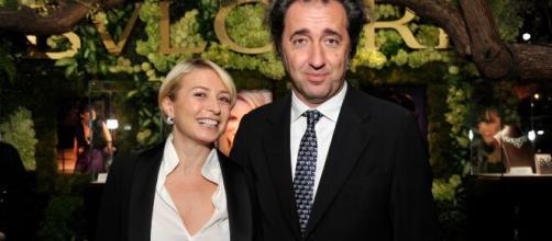 Paolo Sorrentino insieme alla moglie.