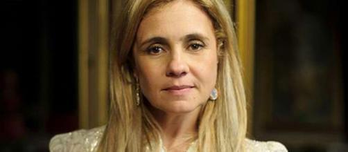 Atriz de Carminha tem 50 anos na atualidade. (Reprodução/TV Globo)
