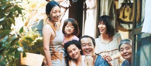 Signo de 5 atores do filme 'Assunto de Família'. (Arquivo Blasting News)