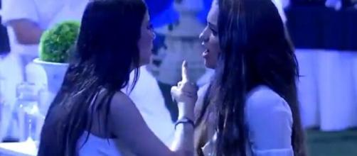 Rafa Kalimann e Bianca discutiram, e a loira chegou a ser empurrada. (Reprodução/TV Globo).
