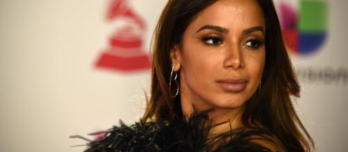Anitta bate boca com deputado sobre direitos autorais. (Arquivo Blasting News)