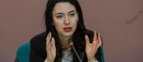 Il ministro Azzolina: discussione di un elaborato alla maturità