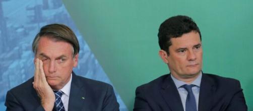 Bolsonaro e Moro: informações sobre depoimento esquentam o clima entre os dois. (Arquivo Blasting News).