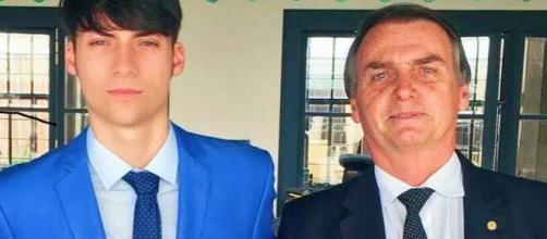Filho de Bolsonaro está namorando ex de Eduardo Costa, diz jornal. (Instagram/@bolsonaro_jr)