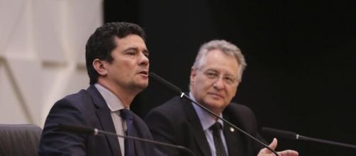 Sergio Moro enquanto esteva no Ministério da Justiça e Segurança deu acesso a dados para o FBI (Blasting News)