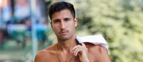 Gianmarco Onestini ha preocupado a sus seguidores por su bajada de peso.