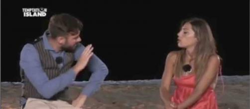 Temptation Island, Nunzia Sansone e Flavio Zarella sarebbero fidanzati, lei: 'Sono felice'.