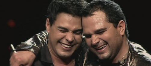 Zezé Di Camargo e Luciano irão realizar uma live show. (Arquivo Blasting News)