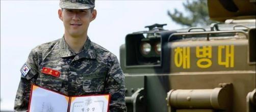 Son Heung-min: le Spurs honoré après la fin de son service militaire en Corée du Sud. Crédit: Instagram @rokmchq