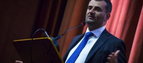 Bari, assembramenti sul lungomare: il sindaco Decaro costretto a chiamare i carabinieri
