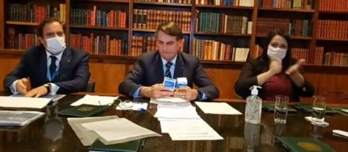 Bolsonaro e a hidroxicloroquina. (Arquivo Blasting News)