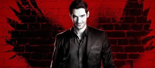 Il personaggio di Lucifer è interpretato da Tom Ellis.