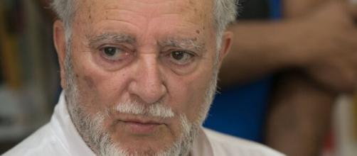 Julio Anguita, ex-líder de Izquierda Unida, está en estado muy grave