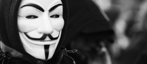 Anonymous ameaça expor crimes da polícia dos EUA. (Arquivo Blasting News)
