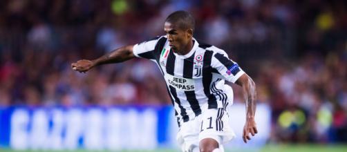 Calciomercato Juventus, Douglas Costa verso l'addio.