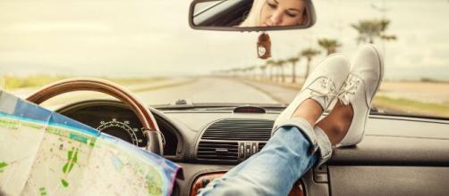 Economizando na viagem de carro. (Arquivo Blasting News)