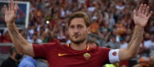Gigante! Francesco Totti é tido como o maior ídolo na Roma. (Arquivo Blasting News)