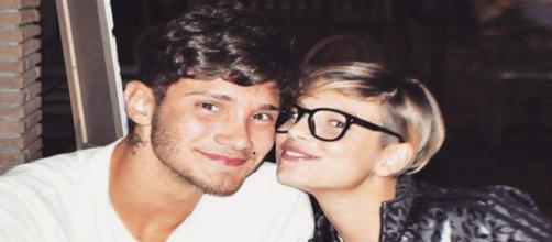 Stefano De Martino torna a cliccare 'mipiace' ai post di Emma.