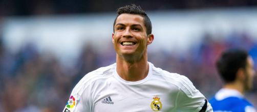 Cristiano Ronaldo já postou foto de Ferrari. (Arquivo Blasting News)