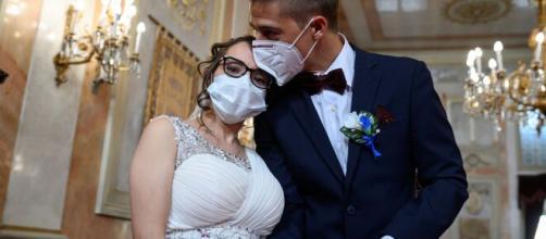 Bologna, sposa positiva al coronavirus: 31 invitati finiti in quarantena.