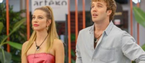 Temptation Island contro Clizia Incorvaia e Paolo Ciavarro: 'Mai proposto loro di partecipare'.