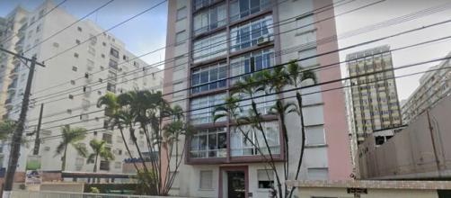 Crime aconteceu no quinto andar do prédio. (Google Maps)
