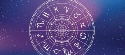 Previsioni astrologiche e oroscopo del weekend per tutti i segni.