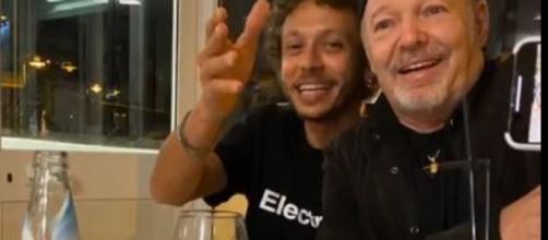 Valentino Rossi e Vasco Rossi a cena insieme.